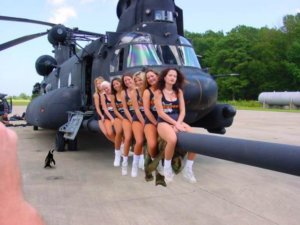 hooters girls 160th